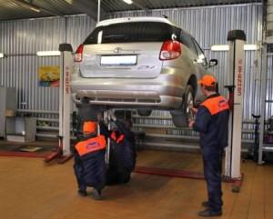 Плюсы и минусы обслуживания автомобиля в сервисе
